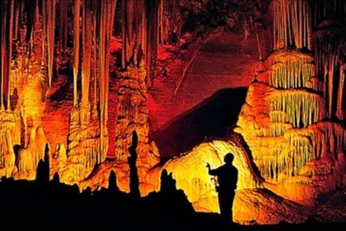 Blanchard Springs Caverns_-8749432399821848335