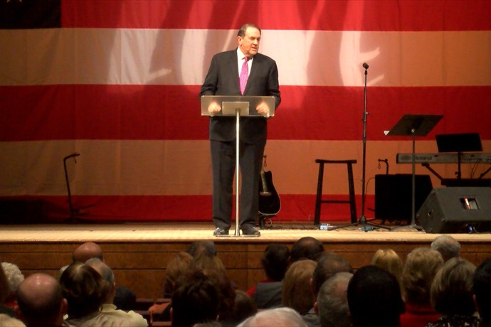 Mike Huckabee wraps up 14-state book tour in Little Rock._8047089225753379409