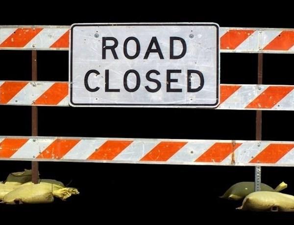 road closed sign_-9140933380227841068