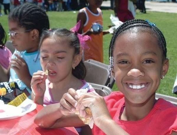 Arkansas Foodbank summer feeding program_-8434204176468587770