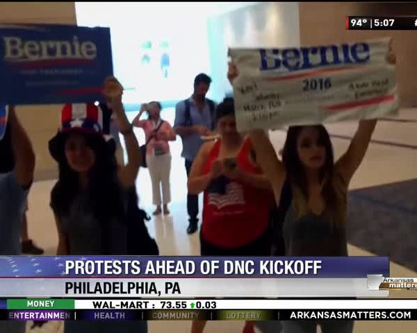 Sanders- Supporters Protest Outside D-N-C- Rules Committee_80788211-159532