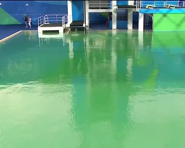 Olympic pools turn green_13740335-159532