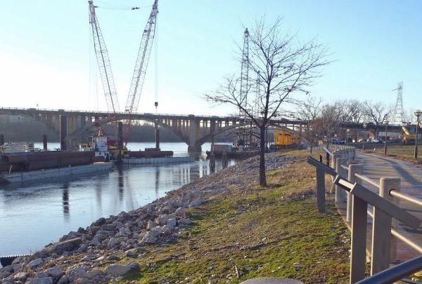 Broadway Bridge work-118809318