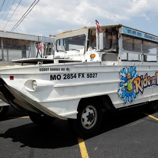 Missouri_Boat_Accident_Duck_Boats_43143-159532.jpg39869346