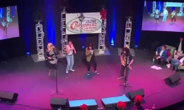 Team_20_Wins_1st_Place_Christmas_Karaoke_7_20181215045519