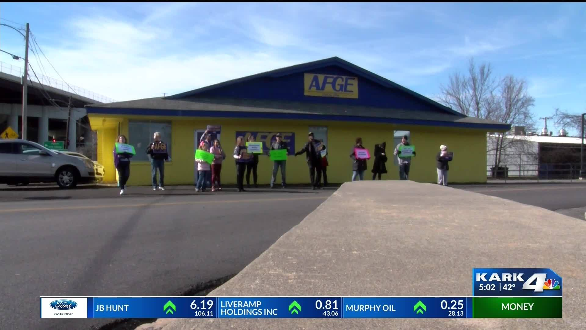 Federal Employees Rally Against Shutdown in North Little Rock