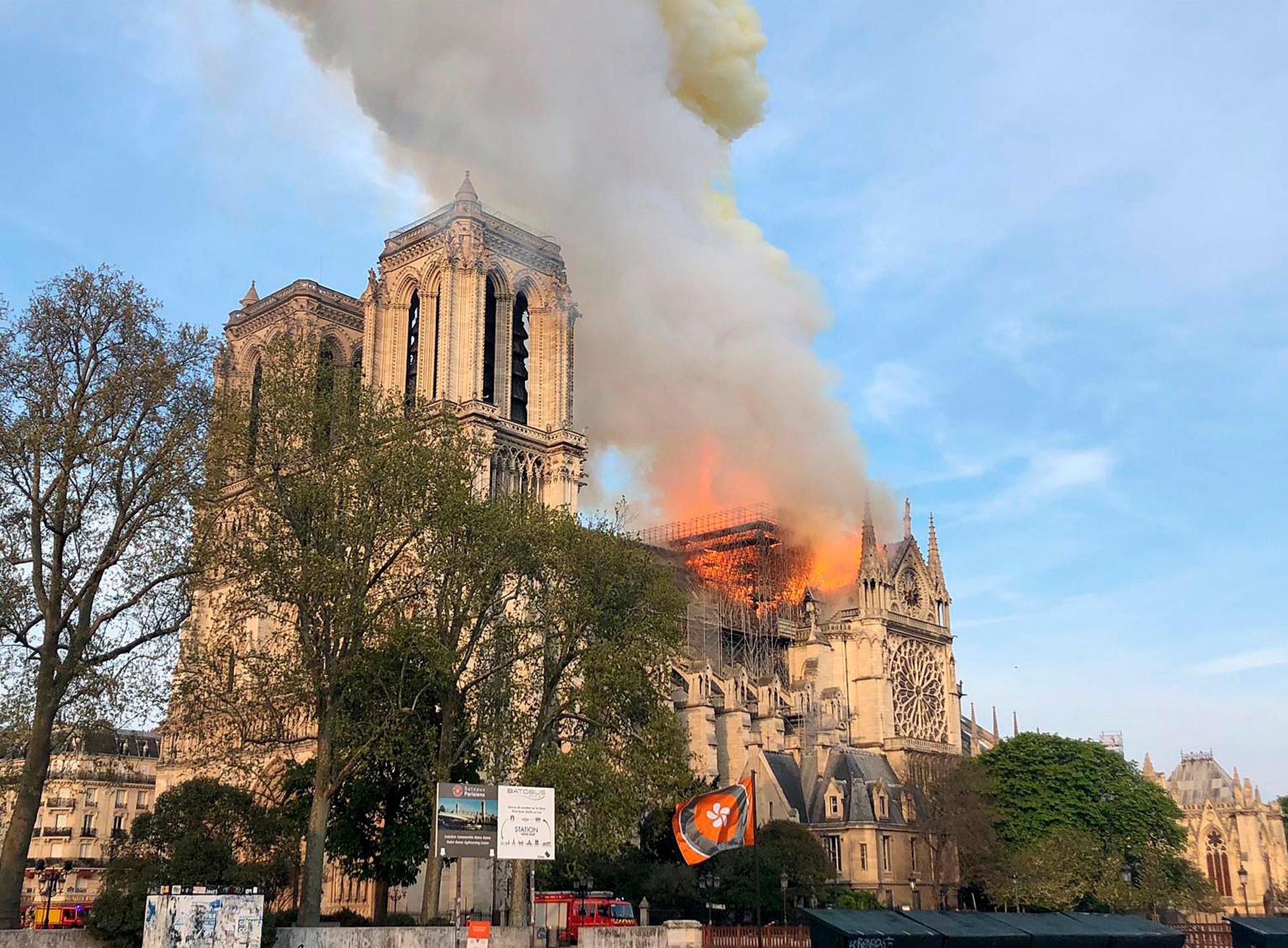 APTOPIX_France_Notre_Dame_Fire_23381-159532-159532.jpg99368112