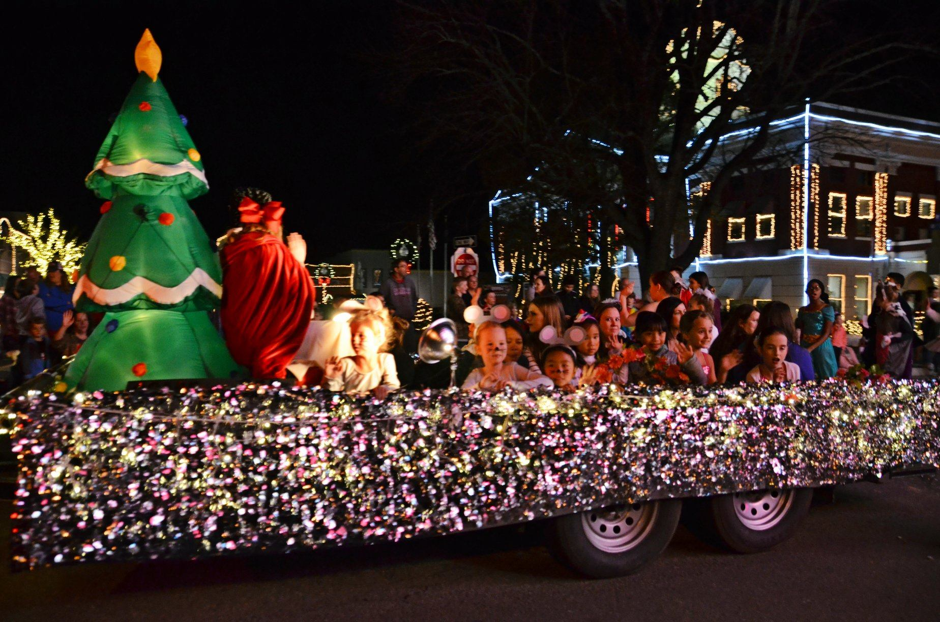 Searcy Christmas Parade 2020 Searcy Christmas Parade moved to Monday, December 16th | KARK