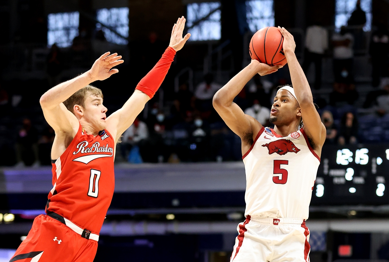 Moses Moody heads to NBA Draft Combine next week in Chicago